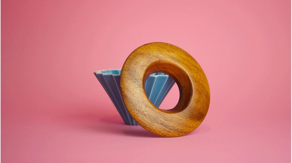 Socle en bois pour dripper porte filtre origami